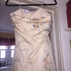 Kay Unger New York Gown